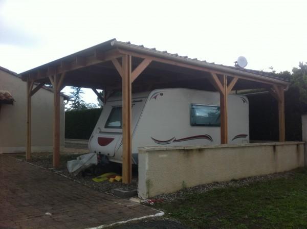 structure mono pente adaptée pour un véhicule + une caravane