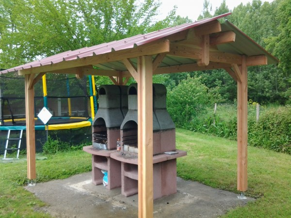 structure couvre barbecue couverture bac acier
